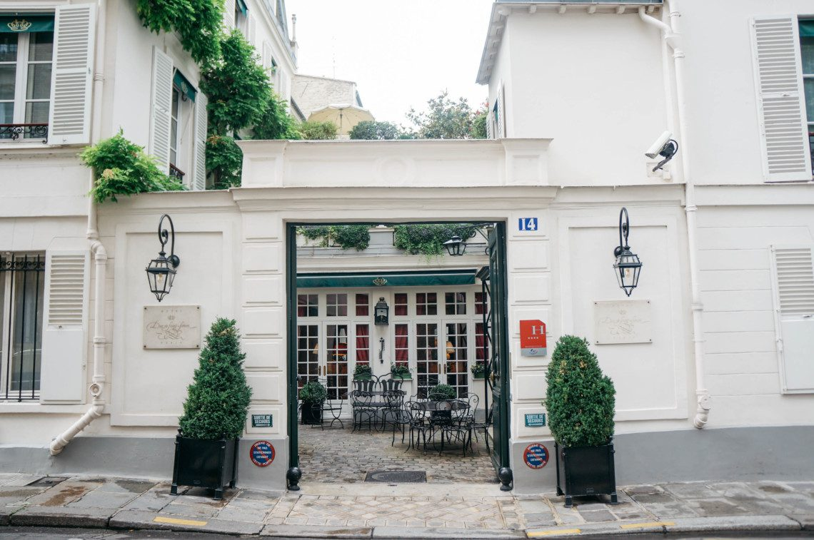 A look at the luxury boutique hotel Duc De Saint Simon, located in the 7th arrondissement in Paris. A perfect choice for a hotel in Saint-Germaine.