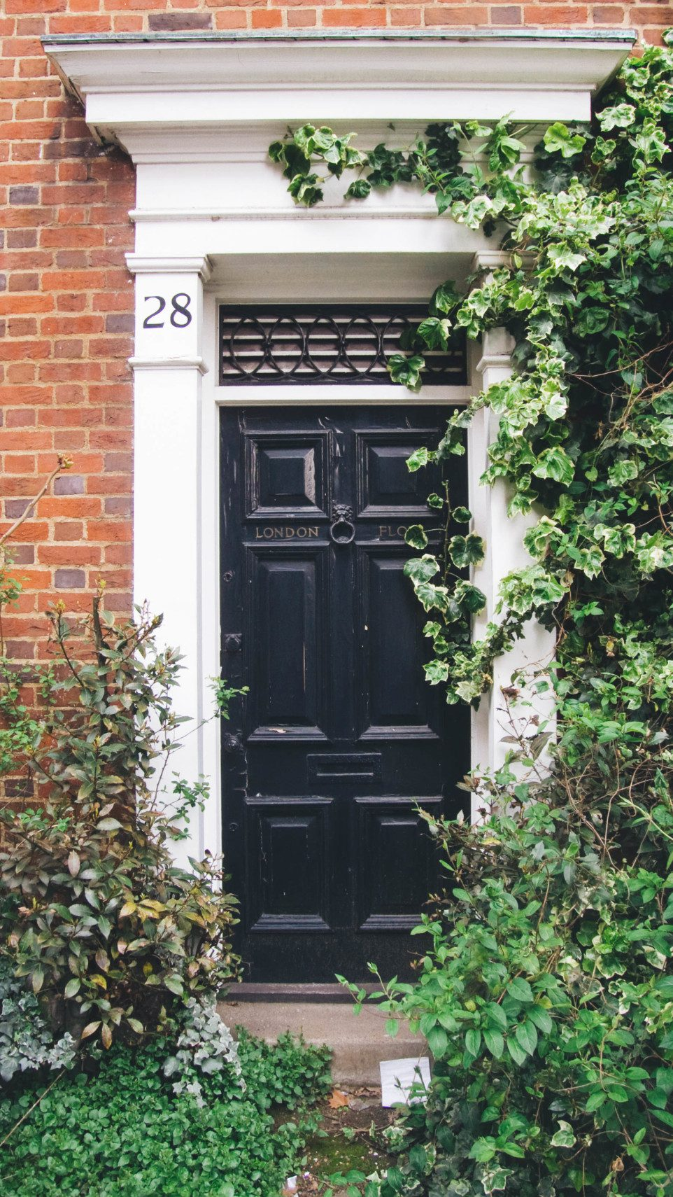 Calling all architecture lovers! A look at beautiful doors around the world.