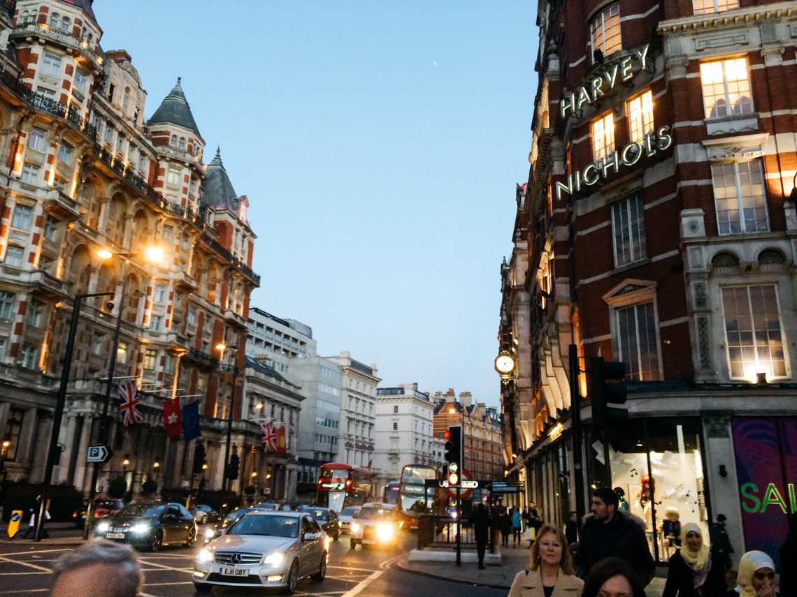 A Girl's Guide to Surviving a Solo Trip to London in January