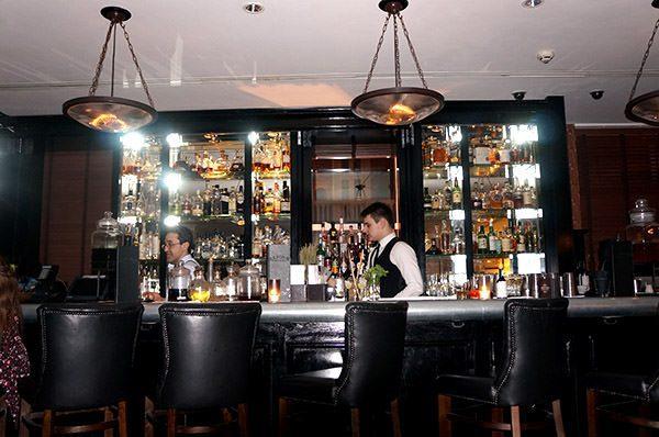 Mandeville bar