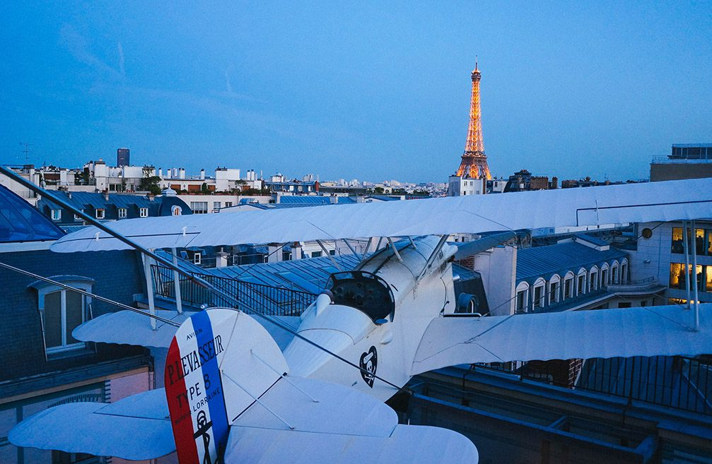 airplane and tour de eiffel (1 of 1)