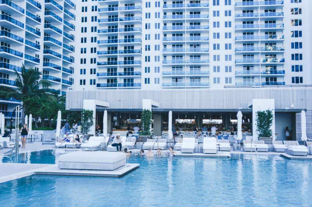 poolonehotel-1