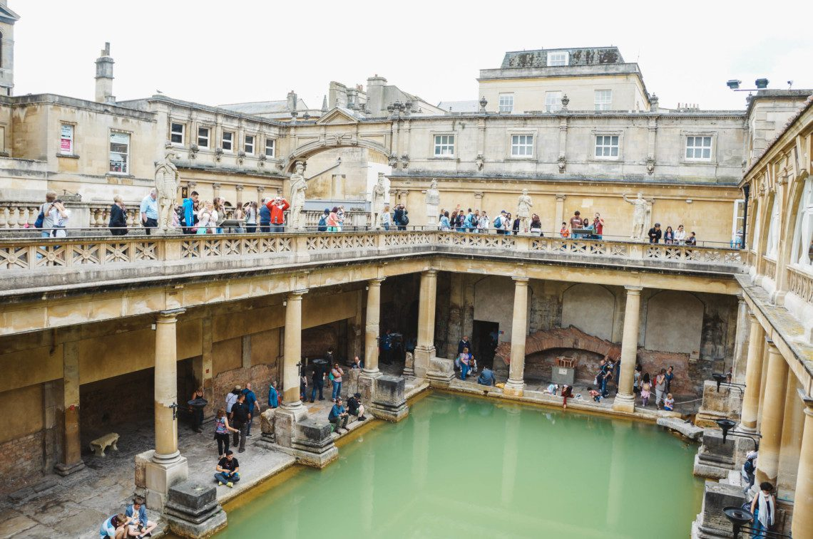 A guide Bath including where to stay, eat, and shop in this gorgeous historic town.
